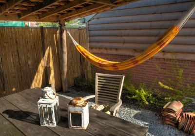 Natuurlijke terrasoverkapping en Hangmat
